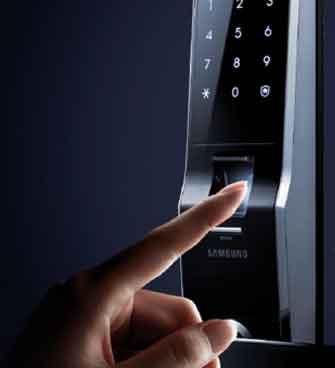 قفل دیجیتال مجهز به سیستم بیومتریک