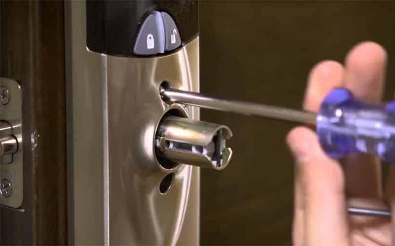 قفل ضد سرقت بر روی درب های ضد سرقت (قفل دیجیتال ضد سرقت)