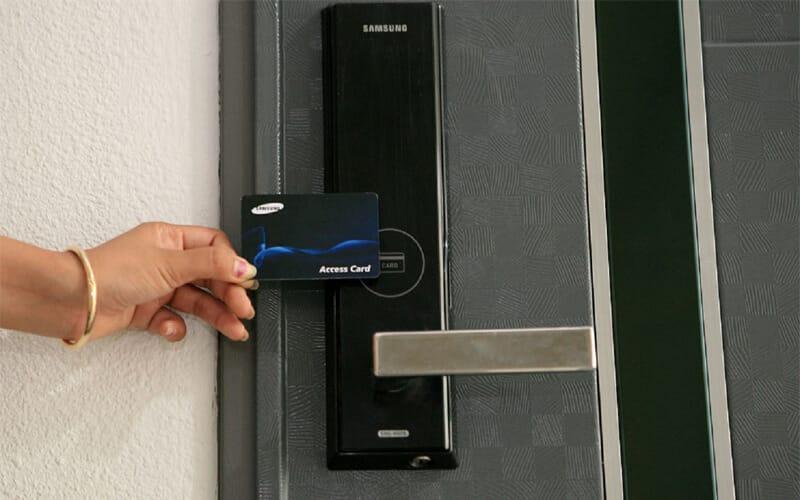 قفل الکترونیکی کارتی
