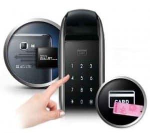 دسترسی به درب توسط مکانیزم ورودی دوبل رمز و کارت