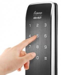 دسترسی به درب توسط رمز