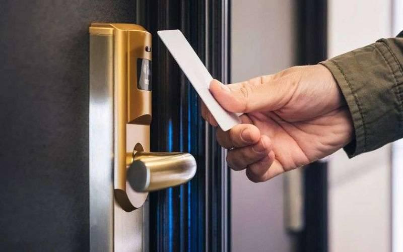 همه آنچه که باید در مورد قفل دیجیتال هتلی بدانید