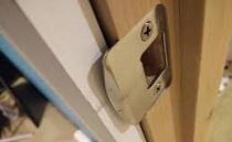 راه حل های امنیتی جهت افزایش امنیت قفل درب ورودی
