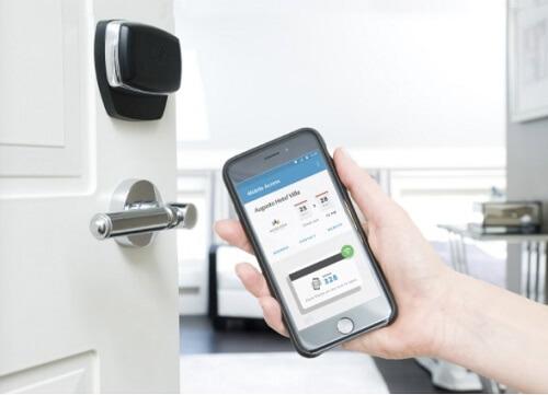کنترل درب هتل ها توسط تلفن همراه