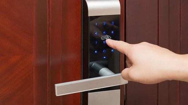 کار بر روی قفل دیجیتال توسط سمپل