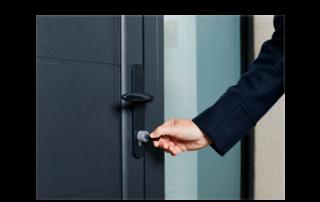 کلید قفل درب